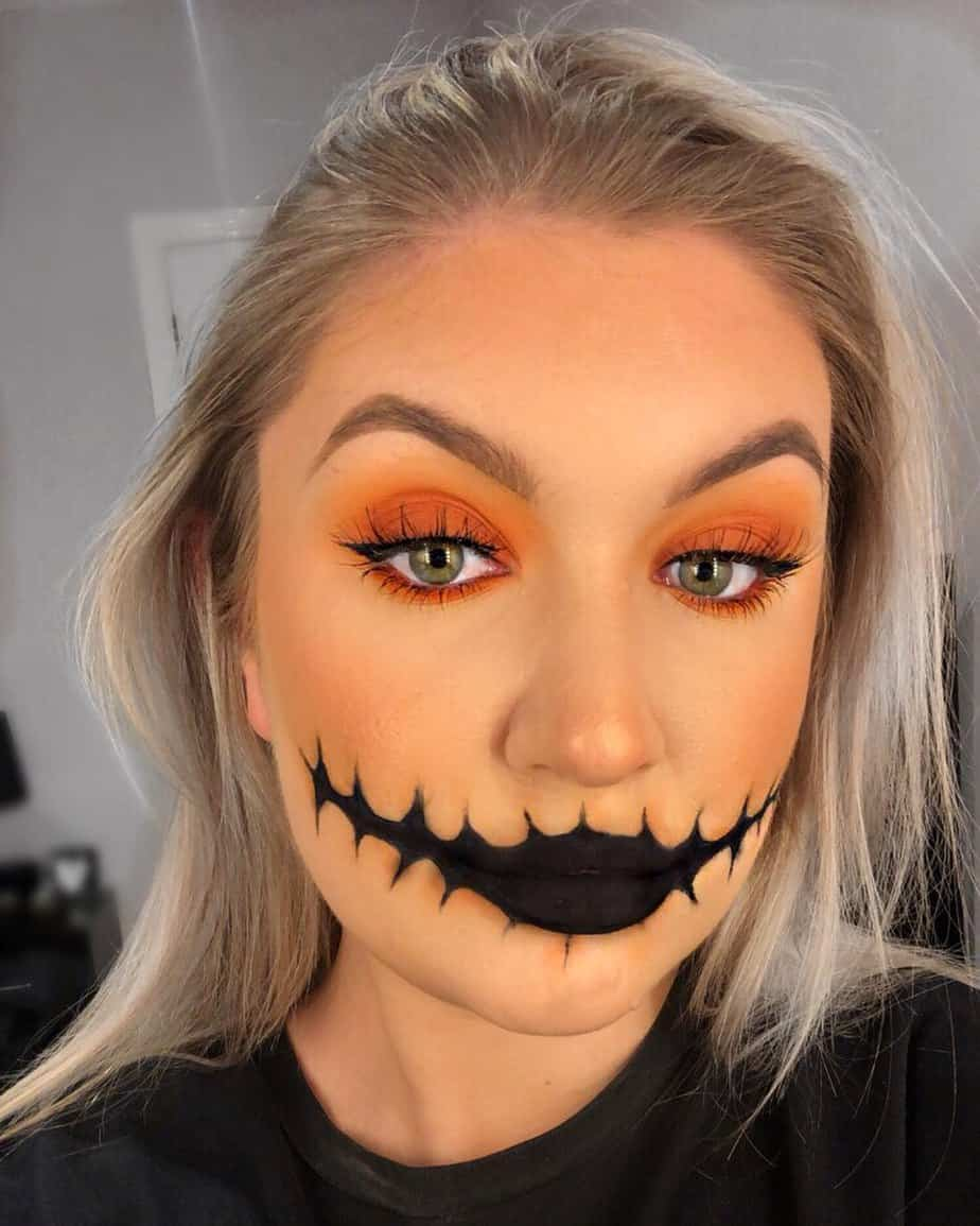 If you are looking for easy, simple, or last-minute Halloween makeup ideas to try, then here are 20+ easy Halloween makeup ideas.